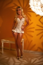 Britney Amber Retro